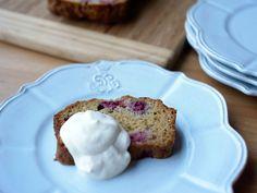 Tea Time! Raspberry Cake with Cream ティーの時間!ラズベリーケーキをクリームで。