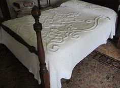 "SNOW WHITE CHENILLE BEDSPREAD with LEAVES Thick Tufting FULL/Double 91"" x104"""