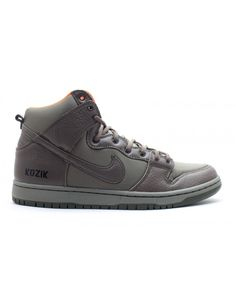 Let your feet do all the talking with this season's Nike men's Dunk shoes with great discount, All sizes are avaliable. Nike Dunks, Nike Men, Sneakers, Shoes, Fashion, Tennis, Moda, Slippers, Zapatos