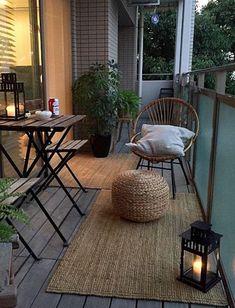 Haal binnen naar buiten met een vloerkleed in de tuin | Take your lovingroom outside with a carpet in the garden #carpet #garden #inspiration #outside | Eigen Huis en Tuin