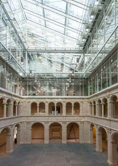 The Harvard Art Museums, during renovation and expansion, showing the Calderwood Courtyard, January 30, 2014. Photo: Peter Vanderwarker.
