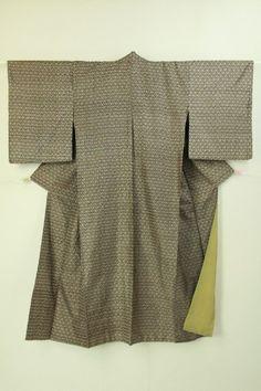 Dark brown, abstract pattern tumugi komon / こげ茶色 幾何学柄の紬小紋   #Kimono #Japan http://global.rakuten.com/en/store/aiyama/