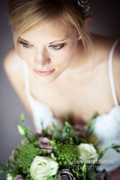 Shallow DOF wedding portrait
