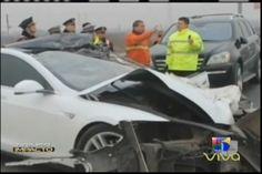 Impactantes imagenes de accidente de carro no tripulado Tesla Model S en China