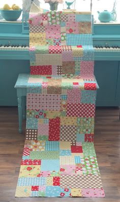 Welcome to week six in the Scrappy Project Planner Sew Along:) Today we are focusing on the sixth quilt pattern i...