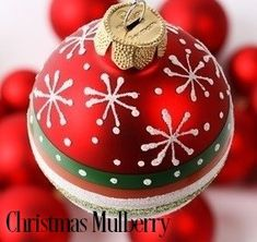 CHRISTMAS MULBERRY Fragrance Oil - A BEST SELLER!  Blend of woods, spice, fruit and flowers to enhance the Christmas Spirit. Super strong mulberry notes gives this an excellent scent throw!  Excellent in soy and safe for bath and body 152 FP - NO USPS INTERNATIONAL SHIPPING Vegan Friendly