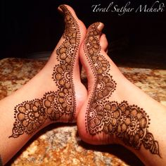 Mehndi feet by Toral Suthar