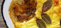 1 hoender, gekook en ontbeen 50 ml sultanas 2 uie, fyn gekap 250 ml mayonnaise 20 ml fyn appelkoos konfyt 10 ml suurlemoensap 1 pakkie hoenderroomsop 15 – 20 ml kerrie poeier 250 ml melk 3 ml… Meat Recipes, Chicken Recipes, Dinner Recipes, Cooking Recipes, Recipies, 30 Minute Dinners, Fast Dinners, South African Recipes, Ethnic Recipes