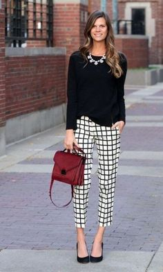 All the workplace outfit ideas you really need. The best way to Wear to Work Outfit, When You're Channeling Kim Kardashian. wear to work outfits spring Business Outfit Frau, Business Outfits, Business Casual Fashion, Business Casual For Women, Winter Business Casual, Business Casual Outfits For Work, Business Clothes, Mode Outfits, Short Outfits