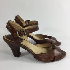 Frye Skyler Seam Sandal Brown Size 8