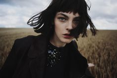 Model Vittoria Ceretti provokes a somber, rich moodiness in Fanny Latour-Lambert's ruins-inspired fashion editorial 'Post Rave'. Mariaelena Morelli styles Vittoria for Grey Magazine's Fall 2014 issue. / Beauty by Laure Dansou Bob Haircut For Girls, Girl Haircuts, Bob Hairstyles, Bob Haircuts, Fanny Latour Lambert, Mode Editorials, Fashion Editorials, Jolie Photo, Editorial Fashion