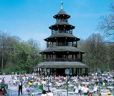 Englischer Garten München, Biergarten am Chinesischen Turm