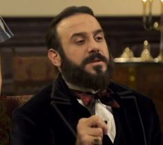 الحلقة الاخيرة من #سرايا_عابدين كاملة للمشاهدة #قصي_خولي #خوليين http://kosaikhauli.blogspot.com/2014/07/blog-post.html