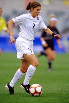 Mia Hamm… Such a great role model she was wonderful with her fans.