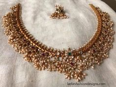 Latest Fashion Gold And Pearl Necklace Designs - Fashion Beauty Mehndi Jewellery Blouse Design Gold Ruby Necklace, Pearl Necklace Designs, Chevron Necklace, Pearl Jewelry, Indian Jewelry, Wedding Jewelry, Jewelery, Gold Jewelry, Gold Bangles