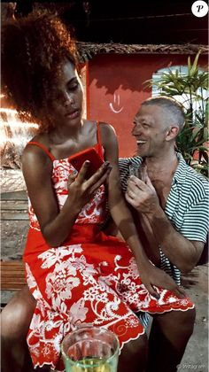 Vincent Cassel et Tina Kunakey toujours amoureux. Couple Swag, Swag Couples, Cute Couples, Mixed Couples, Vincent Cassel Monica Bellucci, Tina Kunakey, Interacial Couples, Passionate Couples, Actor