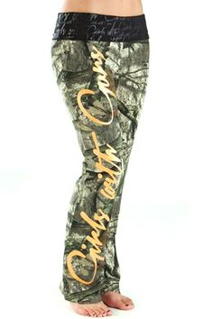 Mossy Oak® Treestand Script Lounge Pants Yeah, so I pretty much need these in my life right now.
