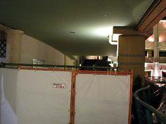 作り掛けで終わってしまっている工事現場。哀しい。  2004年9月11日撮影    Construction site construction work has stopped on the way. Sad.  September 11, 2004 shooting.