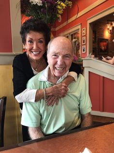Hall of Fame quarterback Bart Starr and his family will attend the Green Bay Packers' game Sunday. Packers Football, Football Memes, Football Cards, Green Bay Packers Game, Saints Game, Bart Starr, Nfl Playoffs, Nfl History, Vince Lombardi