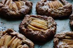 Pear Galettes with Spelt Crusts recipe on / yossy arefi / pie / tart / dessert / summer / party / Spelt Recipes, Cooking Recipes, Flour Recipes, Good Food, Yummy Food, Healthy Food, Kinds Of Pie, Cheesecake Crust, Crust Recipe