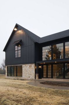 Modern farmhouse exterior paint color combinations you'll love! Create a farmhouse style exterior on your home with these awesome paint color ideas! Modern Farmhouse Exterior, Modern Farmhouse Style, Farmhouse Windows, Industrial Farmhouse, Farmhouse Design, Farmhouse Decor, Metal Building Homes, Building A House, Morton Building