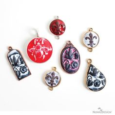 Make These Sculpted Relief Epoxy Clay and Resin Pendants | Nunn Design - See more at: http://nunndesign.com/make-these-sculpted-relief-epoxy-clay-and-resin-pendants/#sthash.8JHDjBi5.dpuf