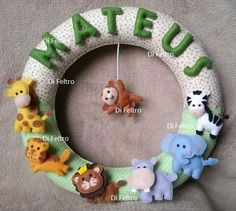 Guirlanda porta maternidade  Tema: Zoo Nome: Mateus