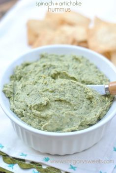 Spinach Artichoke Hummus: healthy and delicious! Vegan. This looks so good!