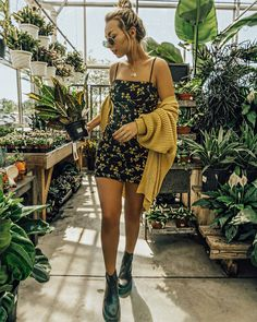 Fashion Outfits Women Summer Converse 16 Ideas For 2019 Source by chloejharmon Fashion outfits Mode Outfits, Casual Outfits, Fashion Outfits, Fashion Trends, Womens Fashion, Ladies Fashion, Floral Outfits, Converse Fashion, Fashion Styles