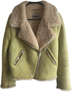 Buy your acne rita yellow lamb shearling. Acne Studios on Vestiaire Collective, the luxury consignment store online. Second-hand Acne rita yellow lamb shearling. Acne Studios Yellow in Fur available. Fur Fashion, Look Fashion, Womens Fashion, Fashion Ideas, Shearling Jacket, Fur Jacket, Leather Jacket, Baby Clothes Brands, Clothes For Women