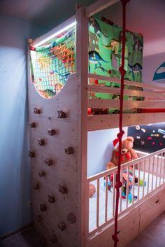 """PhotoArtWood   Drewniane piętrowe łóżko z placem zabaw i schodami """"Obudź wyobraźnię 2"""""""