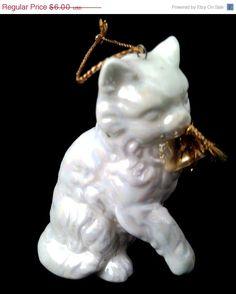 CHRISTMAS SALE Retro Miniature White porcelain Vat by Blakenetizen, $3.00