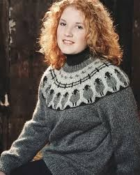 Sheep Go Round Pullover - Pulli Sitricken Sweater Knitting Patterns, Knitting Designs, Knit Patterns, Icelandic Sweaters, Knit Sweaters, Pullover Designs, Fair Isle Knitting, Weaving Patterns, Couture