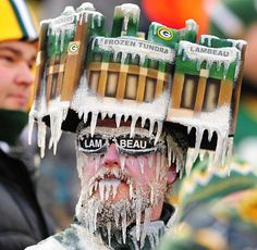 Crazy Green Bay Packers fan freezing his ass off!