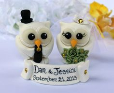 White owl wedding cake topper with banner winter by PerlillaPets