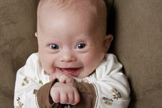 Down Syndrome can be diagnosed by a test called the chromosome test. If a person has an extra chromosome they could have down syndrome. Precious Children, Beautiful Children, Beautiful Babies, Baby Kind, Baby Love, Baby Pictures, Baby Photos, Little People, Little Ones