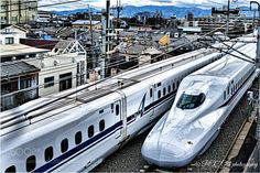 Popular on 500px : Shinkansen traveling by photoevecolon