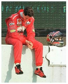 Michael Schumacher, Military Workout, F1 Drivers, Automotive Art, Car And Driver, F 1, Benetton, Formula One, Race Cars