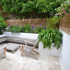 Western Red Cedar and Siberian Larch slatted screen fence panels (horizontal fencing) available in a wide range of sizes and lengths from stock in Widnes and London. Factory coating service available. Slatted Fence Panels, Small Garden Design, Outdoor Decor, Western Red Cedar, Garden Seating, Back Garden Design, Front Garden, Garden Wall, Silva Timber