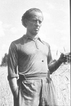 Bruno in a field of wheat Statue, Pictures, Photos, Sculpture, Resim, Clip Art