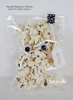 Pocket popcorn ghosts - Halloween treat