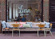 Healthy hotspot By Lima in Haarlem - lunchroom Healthy Restaurant Design, Deco Restaurant, Modern Restaurant, Coffee Shop Interior Design, Coffee Shop Design, Bar Interior, Lunch Cafe, Lunch Room, Vintage Coffee Shops