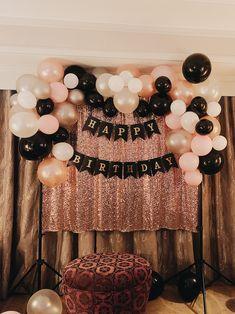 18 Birthday Party Decorations, 25th Birthday Parties, Birthday Ideas For Her, Gold Birthday Party, 18th Birthday Decor, 35th Birthday, Birthday Outfits, Birthday Cake, Black White