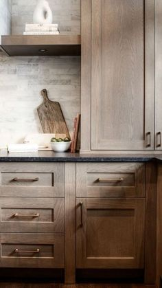Dark, light, oak, maple, cherry cabinetry and wood kitchen cabinets philadelphia. CHECK THE PIC for Various Wood Kitchen Cabinets. Modern Farmhouse Kitchens, Farmhouse Kitchen Decor, Home Decor Kitchen, Kitchen And Bath, New Kitchen, Home Kitchens, Kitchen Ideas, Kitchen Designs, Farmhouse Style