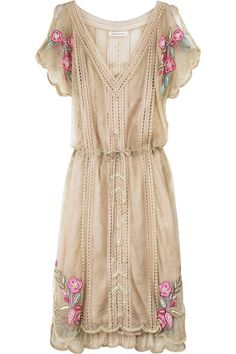 Matthew Williamson Lace pearl beaded dress and other apparel, accessories and trends. Browse and shop related looks. Pretty Outfits, Pretty Dresses, Beautiful Outfits, Gorgeous Dress, Fashion Moda, Look Fashion, Hippie Fashion, Dress Fashion, Fashion Clothes