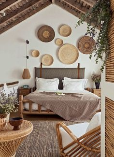 A holiday decoration on the sand and under the sun – PLANETE DECO a homes world Home Bedroom, Bedroom Decor, Bedroom Shelves, Bedroom Signs, Bedroom Ideas, Master Bedroom, Interior Decorating, Interior Design, Decorating Ideas