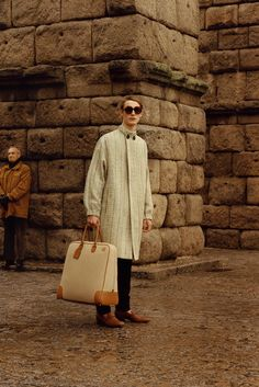 See the complete Loewe Fall 2015 Menswear collection.