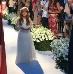 """Tralli mostra Rafinha caminhando até o altar ao som de """"Trem Bala"""""""