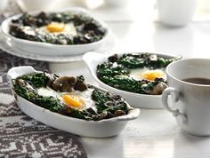 Baked Eggs Mushroom and Spinach Nest! Delicious and healthy little nests for our spinach and mushroom eggs! Don't miss this recipe out!