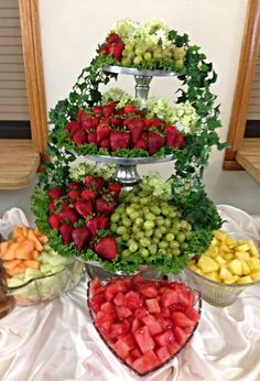 The fruit platter at the funeral. Fruit Tables, Fruit Buffet, Fruit Dishes, Fruit Trays, Funeral Food, Funeral Catering, Fruit Creations, Veggie Tray, Veggie Display